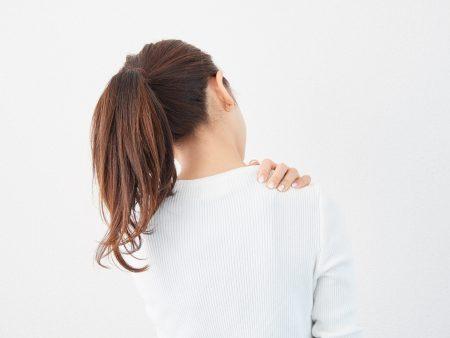 雨の前の日になると肩こりが悪化する理由